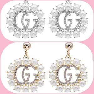 Boutique gold or silver G pearl drop earrings